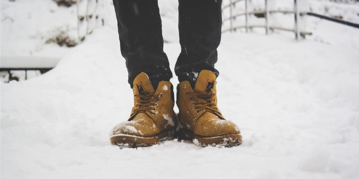 Can you wear leather boots in the snow